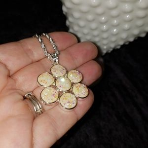 NWOT FAUX CREAM DRUZY NECKLACE ON 925 ROPE CHAIN